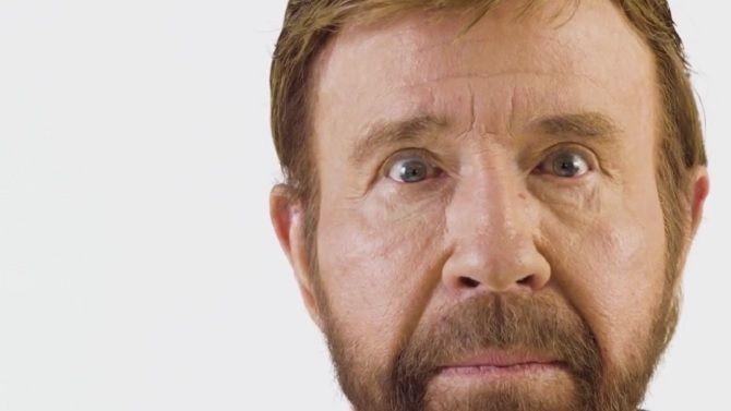Nonstop Chuck Norris a 100 coups d'avance sur vous en vidéo intense