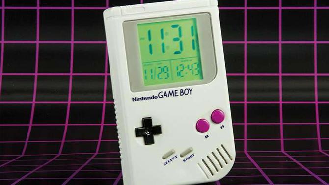 Un réveil-matin Game Boy, ça existe, c'est officiel, et ça a une sonnerie géniale