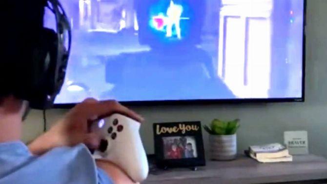 L'image du jour : Être bon avec une seule main sur un FPS ? C'est possible