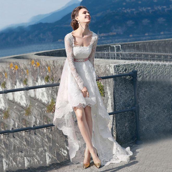robe de mariée courte devant longue derrière en dentelle
