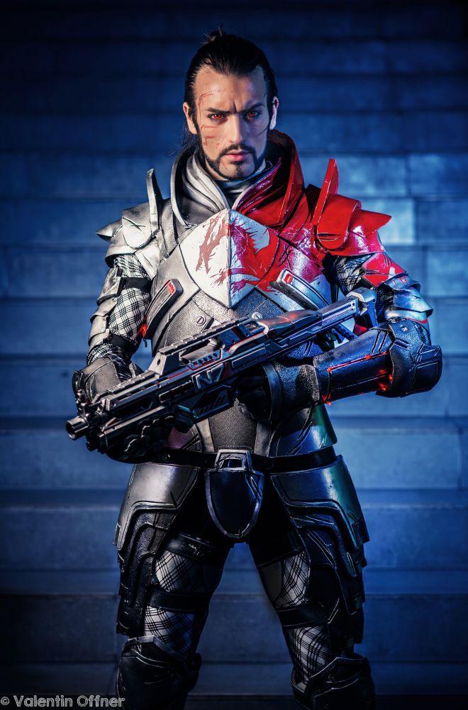 Commandant Shepard cosplay