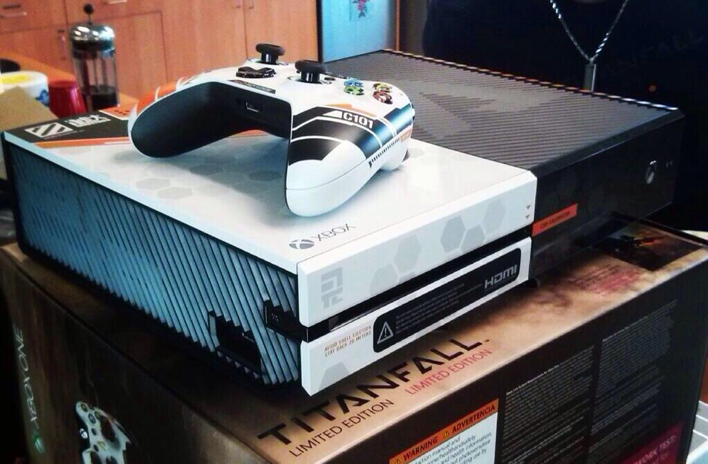1394156413-limited-edition-titanfall-xbox-one-2