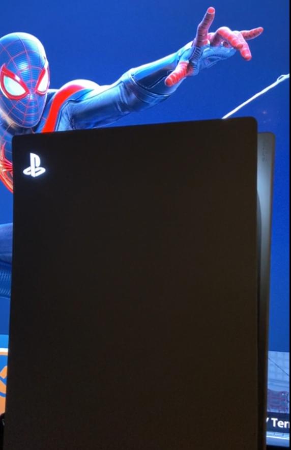 PS5 Custom 04