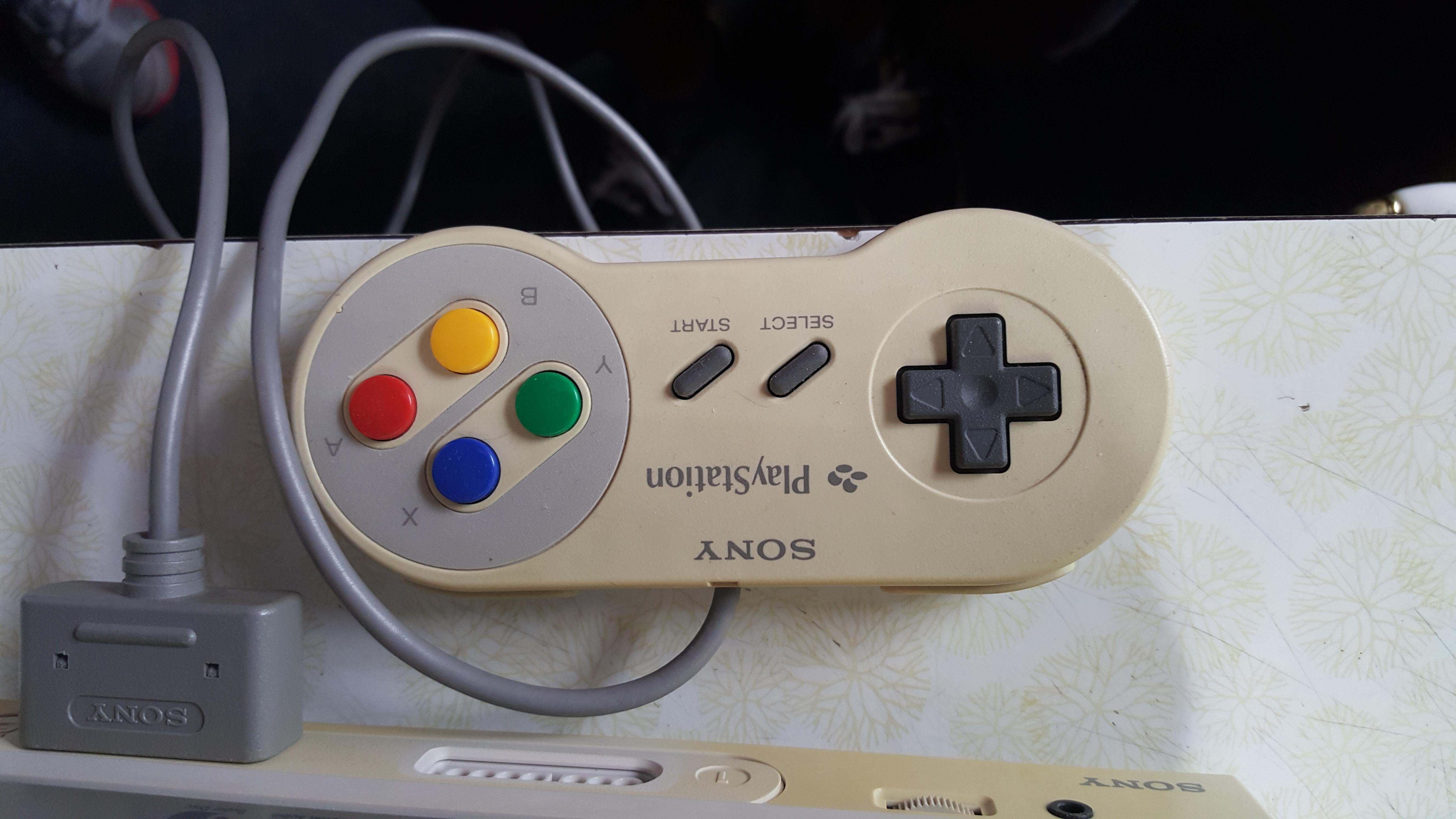 Une personne possède le prototype PlayStation Super Nintendo  PlayStation_Prototype_-6-
