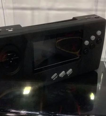 SEGA Nomad CES2019 Retro-Bit 01