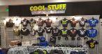 Maillots, vestes et de nombreux vêtements estampillés eSport étaient en vente également