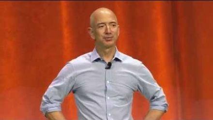 vidéo : Jeff Bezos ICe Bucket Challenge