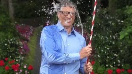 vidéo : Bill Gates Ice Bucket Challenge