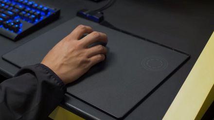 vidéo : Le tapis de souris à recharge sans fil Qi se présente