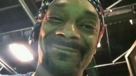 vidéo : Snoop Dogg reçoit son frigo Xbox Series X