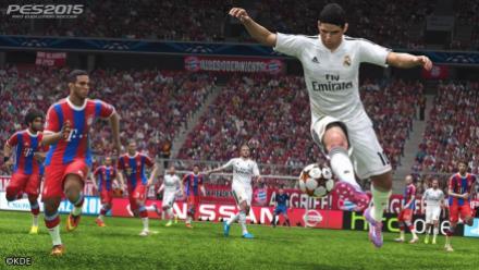 vid�o : PES 2015 vs FIFA 15 : nous avons comparé 4 entrées de stade