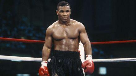 Vidéo : EA Sports UFC 2 : Mike Tyson met KO en vidéo