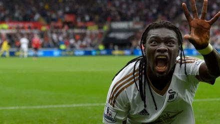 Vid�o : Football Manager 2016: Bafé Gomis parle du jeu