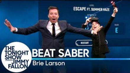 Vidéo : Beat Saber : Brie Larson s'éclate chez Jimmy Fallon